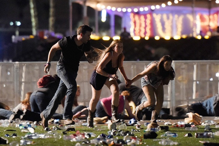 us-reported-shooting-at-mandalay-bay-in-las-vegas-063-856536570-david-becker-afp