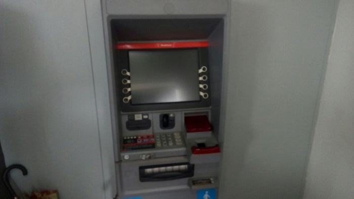 Caixa eletrônico do Bradesco onde as notas falsas teriam sido sacadas.